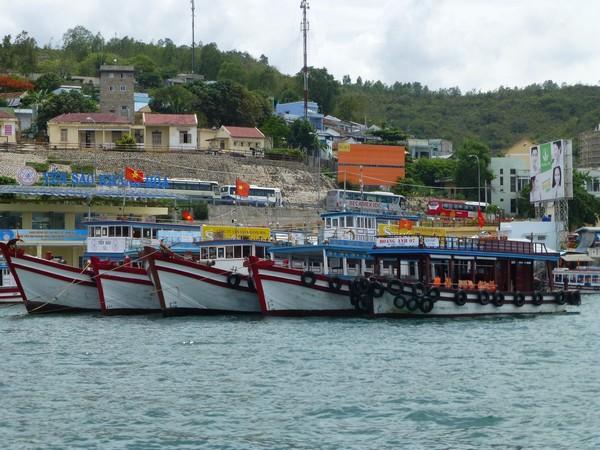 bateaux-port-de-nha-trang-vietnam