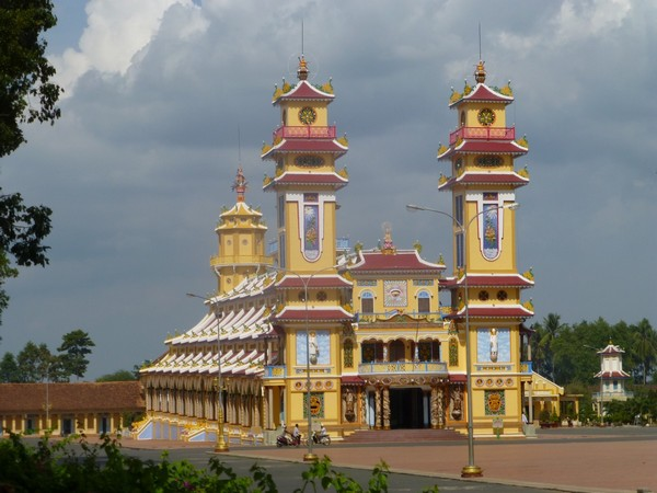 principale-temple-de-cao-dai