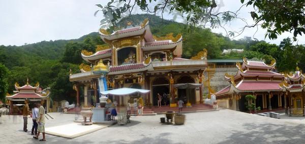 temple-a-flanc-de-montagne