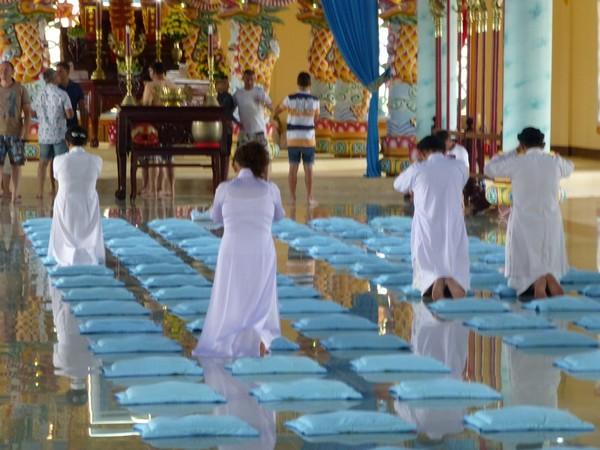 croyants-cao-dai