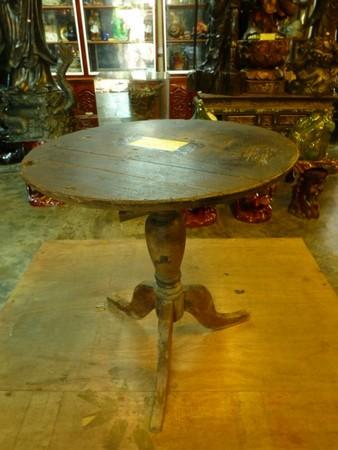 table-qui-bouge-toute-seule
